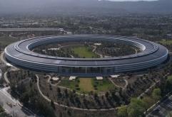 애플의 신규 본사 건물 (Apple Park)    애플이 올해 들어 신규 본사 캠퍼스 애플 파크(Apple Park)로 종업원 이전을 본격적으로 시작하고 있는데이와 함께본사의 주소를 정식으로 Apple Park로 변경한 사실이 확...
