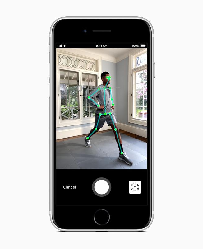 Apple_new-iphone-se-ar-screen_04152020_carousel.jpg.large.jpg