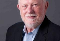 미국 어도비(Adobe)는 16일(현지시간), 어도비의 공동 창업자로 Post Script를 개발했던 찰스 게스케(Chales Geschke)가 향년 81세로 사망했다고 보도했다.    게스케는 1982년 Xerox의 동료인 존·워녹과 공동으...