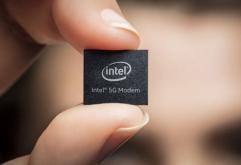 """인텔(Intel)은 16일(현지시간) 스마트폰 전용 5G 모뎀 비즈니스를철수한다고 밝혔다.    인텔 CEO밥 스완(Bob Swan)은 릴리스에서 """"5G는 클라우드와 새로운 기회를 창출할 것으로기대하고 있지만 스마트폰 모뎀 비..."""