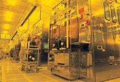 세계 최고의 반도체 파운드리 TSMC가 2nm 제조 시설 건설을 시작했다고 한다. 트위터에서 @chiakokhua가 번역한 DigiTimes 보고서에 따르면 TSMC는 2nm R&D 센터 건설 외에도 해당 노드에 대한 제조 시설 건설...