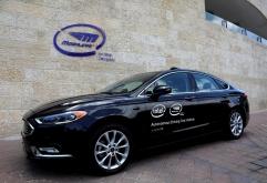 로이터 통신(reuters.com)의 독점 보도에 의하면인텔 모빌아이가 유럽의 자동차 회사와 8백만대의 자율 주행 시스템을 제공하는 계약을 체결한 것으로 확인됐다.    유럽의 자동차회사는2021년까지 완전 ...
