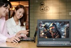 LG전자가 10일 게이밍 노트북 신제품을 국내에 출시했다.    15.6인치 'LG 게이밍 노트북(모델명: 15G880)'은 화면부터 성능까지 최고급 사양을 갖췄다. 이 제품은 1초에 화면을 144장까지 보여준다. 이는 고성능 ...